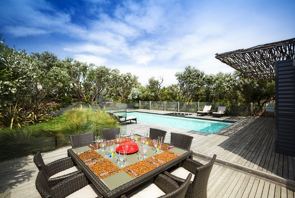 Scott Brown designs an Alfresco Garden with Pool ...