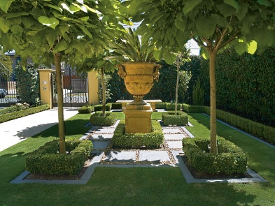 Scott brown landscape design melbourne traditional gardens for Garden designs melbourne
